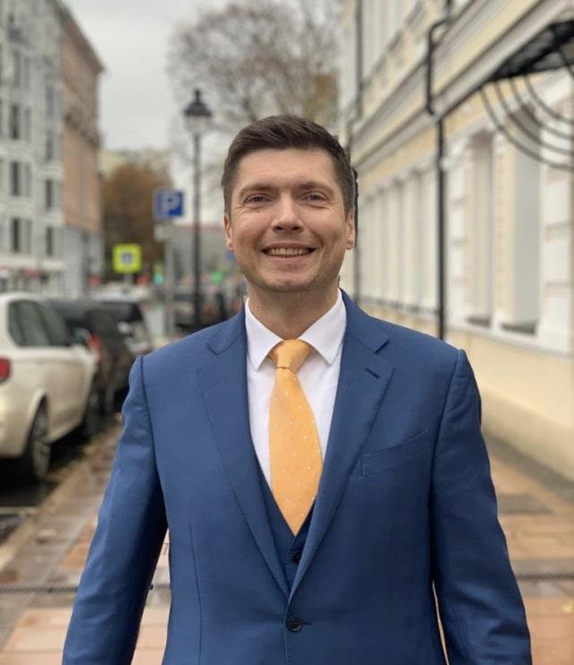 Yurii Kovalov Performance Lab CEO